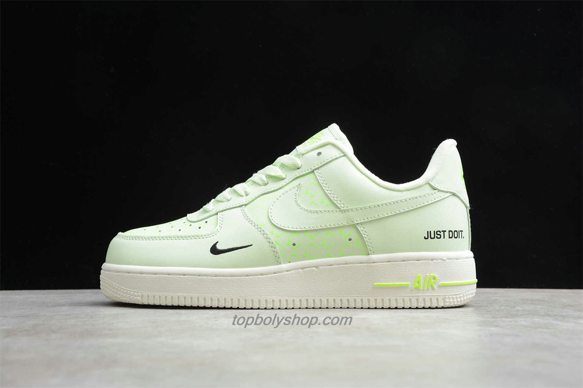 Nike Air Force 1 Low CT2541 700 Light Groen Schoenen