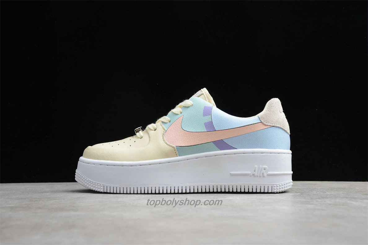 Nike Air Force 1 Sage Low LX Platform BV1976 008 Dames Lichtblauw / Purper / Beige Schoenen